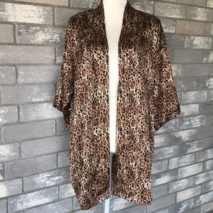 Victoria's Secret leopard print robe size S/P-M/M